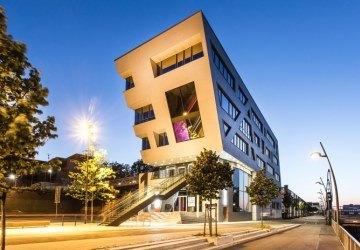 Neuss Hafenkopfgebäude