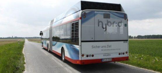 Bus mit Verkehrsüberwachung