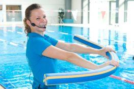 Azubi zur Fachangestellten für Bäderbetriebe im Schwimmbad