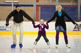 Eislaufen mit den Kindern