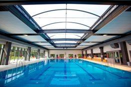 Schwimmer-/Nichtschwimmerbecken